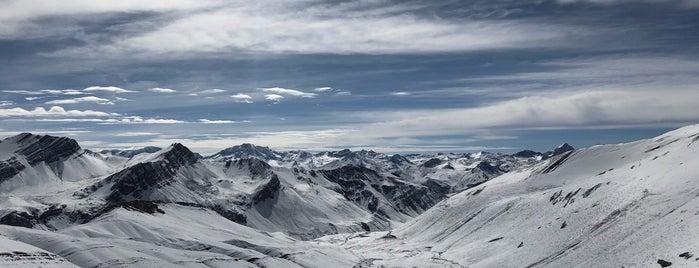Vinicunca (Montaña de Siete Colores) is one of Peru.