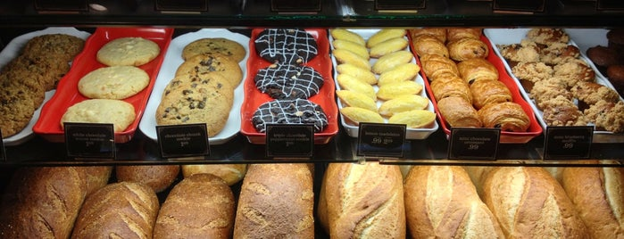 la Madeleine French Bakery & Café Houston Galleria is one of Best places to go in Houston.