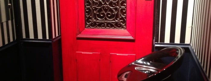 Little Red Door is one of mixologie.paris.