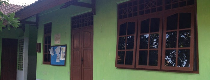 Masjid Baitul Mujib Mosque is one of สถานที่ที่บันทึกไว้ของ Rika.