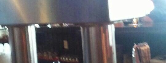 Catman Cafe is one of Locais curtidos por Heather.