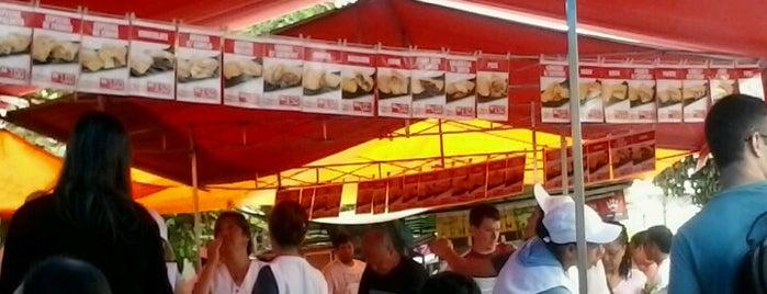 Barraca de Pastel da Cris - Feira de Domingo is one of Manhã.