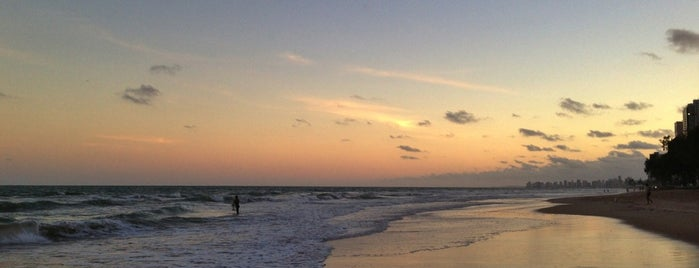 Praia de Boa Viagem is one of Lugares recomendados.