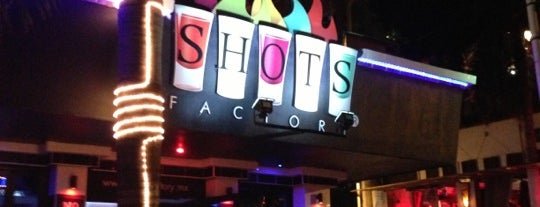 Shots Factory is one of Orte, die Johnny gefallen.