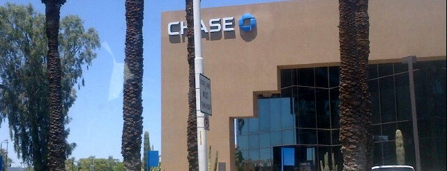 Chase Bank is one of Locais curtidos por Andy.