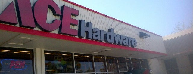 Paul's Ace Hardware is one of Tempat yang Disukai Ryan.