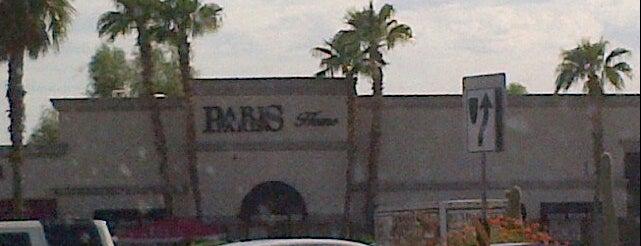 Paris Paris is one of Orte, die Olivia gefallen.