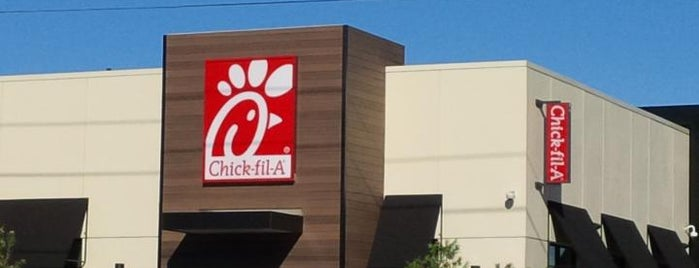 Chick-fil-A is one of Lugares guardados de Ben.