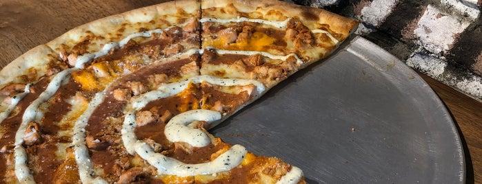 Willion Pizza is one of Ibrahim'in Kaydettiği Mekanlar.