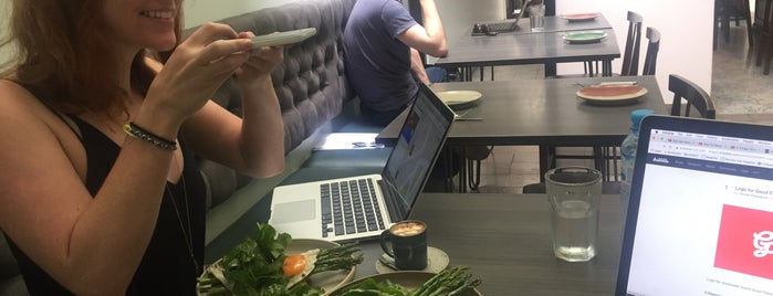 Mó Café + Bistró is one of Olimpia 님이 좋아한 장소.