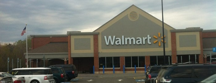 Walmart Supercenter is one of Orte, die Matt gefallen.
