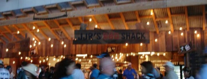 JJR's BBQ Shack is one of Lugares  Especiais.