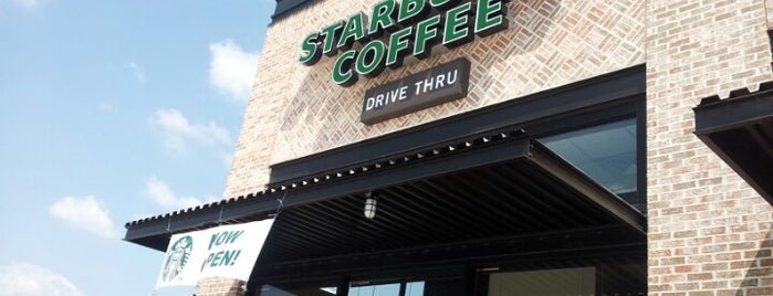 Starbucks is one of Locais curtidos por Dy.