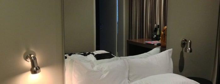 The Kirketon Hotel is one of Tempat yang Disukai Chakra Indra.