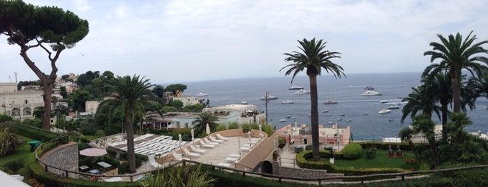 Villa Marina Capri is one of Lieux qui ont plu à Bonny.