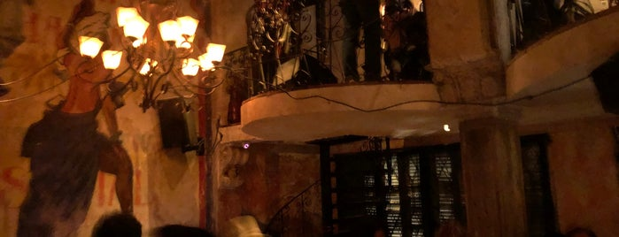 Havana Social is one of Locais curtidos por Bernd.