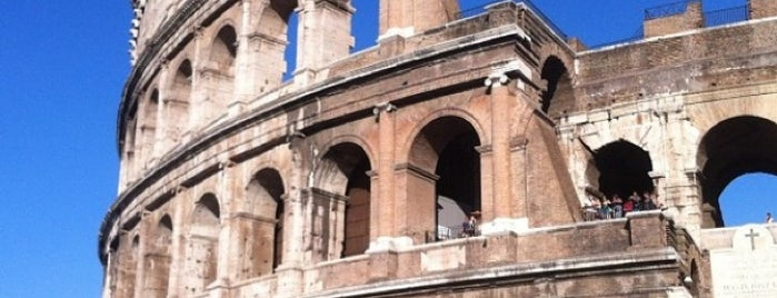 Coliseo is one of Lugares favoritos de Claudia.