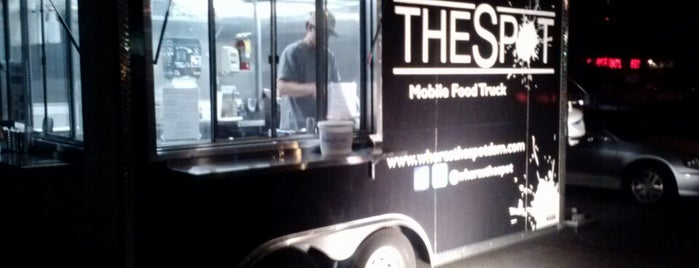 The Spot Food Truck is one of Lugares favoritos de Cosmic Donuts.