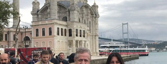 Büyük Mecidiye Camii is one of Tempat yang Disukai Mujdat.