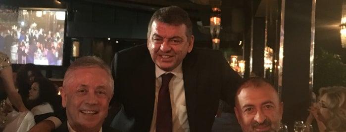Büyük Kulüp is one of Mujdat'ın Beğendiği Mekanlar.