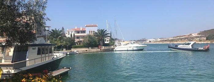 Port Alaçatı is one of Tempat yang Disukai Mujdat.