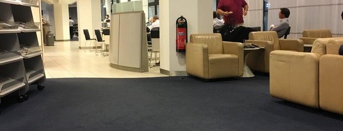 ベルリン テーゲル空港 (TXL) is one of Mujdatさんのお気に入りスポット.