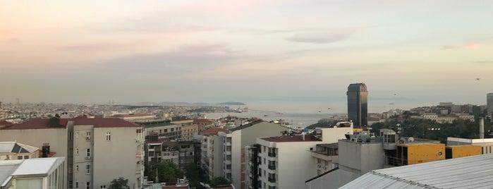 Frankie İstanbul is one of Tempat yang Disukai Mujdat.