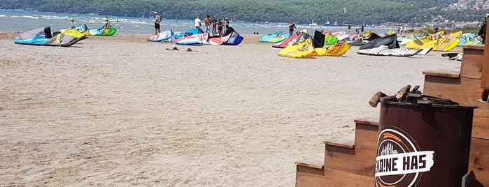Kitesurf Beach is one of Tempat yang Disukai Musa.