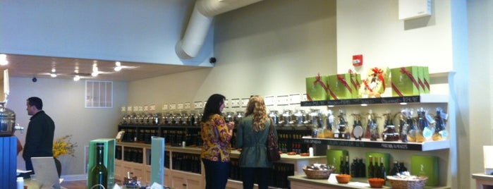 Seasons Olive Oil & Vinegar Tap Room is one of Tempat yang Disimpan Chrissy.