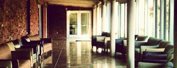Living-Learning Center (LLC) - South is one of Posti che sono piaciuti a Daviana.