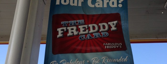 Fabulous Freddy's is one of Stephanieさんのお気に入りスポット.