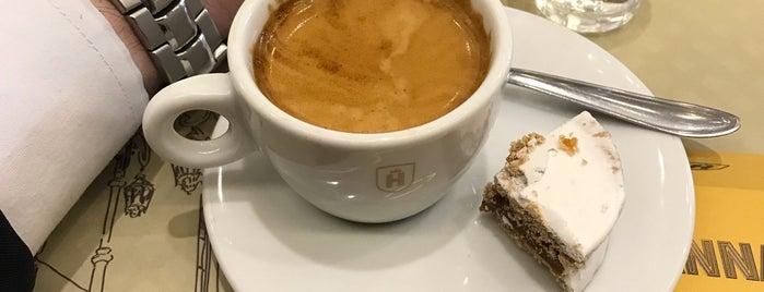 Havanna Café is one of Carlos'un Kaydettiği Mekanlar.