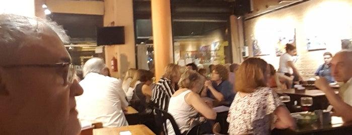 Café Monserrat is one of Bares Notables.