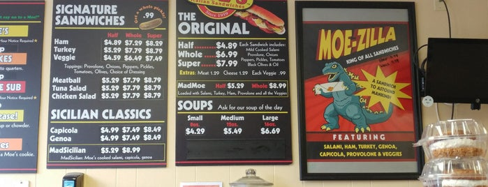 Moe's Italian Sandwiches is one of Locais curtidos por Amber.