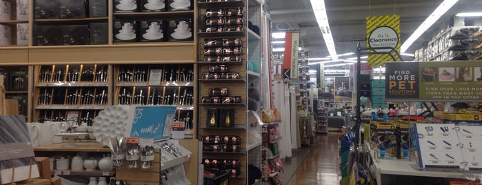 Bed Bath & Beyond is one of Lugares favoritos de Stephanie.