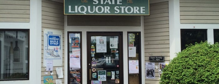 State Liquor Outlet is one of Lindsayeさんのお気に入りスポット.