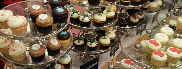 Georgetown Cupcake is one of NY sweet treats.