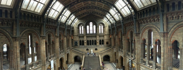 Natural History Museum is one of Hi, London!.