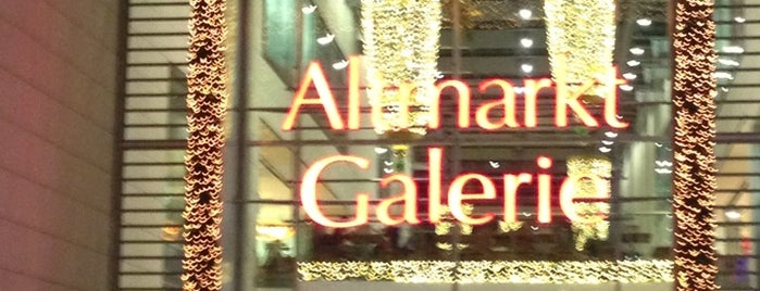 Altmarkt-Galerie is one of Lieux qui ont plu à Oleksandr.
