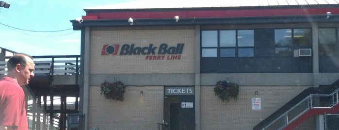 Black Ball Ferry Line Terminal is one of สถานที่ที่ Buck ถูกใจ.