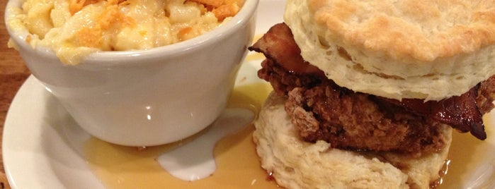 Maple Street Biscuit Company is one of Locais curtidos por Sara Grace.