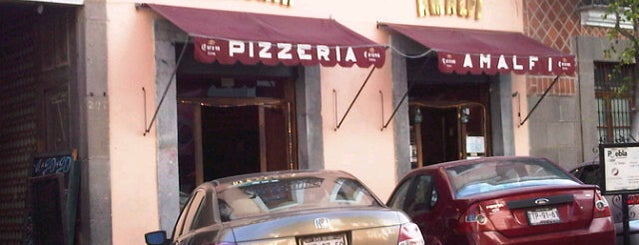 Amalfi Pizzeria is one of Pizzerías Para Festejar 11/11.