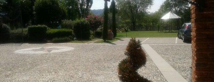 Cascina Carretto Agriturismo is one of Locais curtidos por Martina.