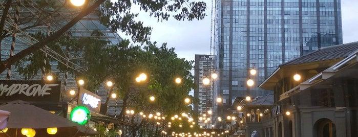 Uptown Mall is one of Shank 님이 좋아한 장소.