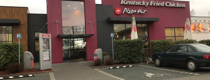 Kentucky Fried Chicken is one of Posti che sono piaciuti a SMS FRANKFURT Group Travel.