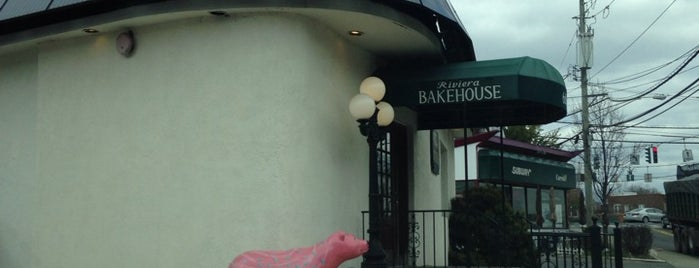 Riviera Bakehouse is one of Posti che sono piaciuti a Bre.