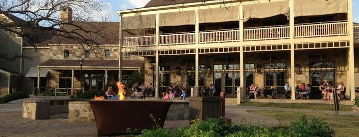 Shellers Barrelhouse Bar is one of Lugares favoritos de Sonny.