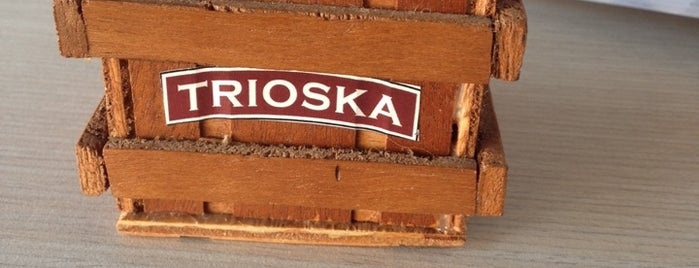 TRIOSKA Café is one of Lieux qui ont plu à Jhalyv.