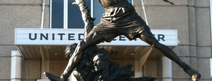 The Spirit by by Omri & Julie Rotblatt-Amrany (Michael Jordan Statue) is one of Chicago.