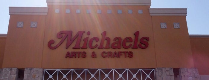 Michaels is one of Lugares favoritos de A.